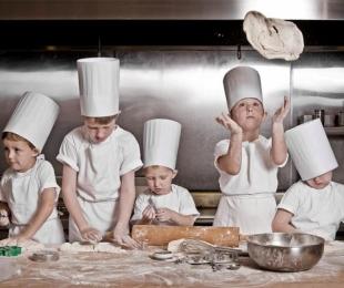 Веселый мастер-класс по пицце,для детей и их родителей!